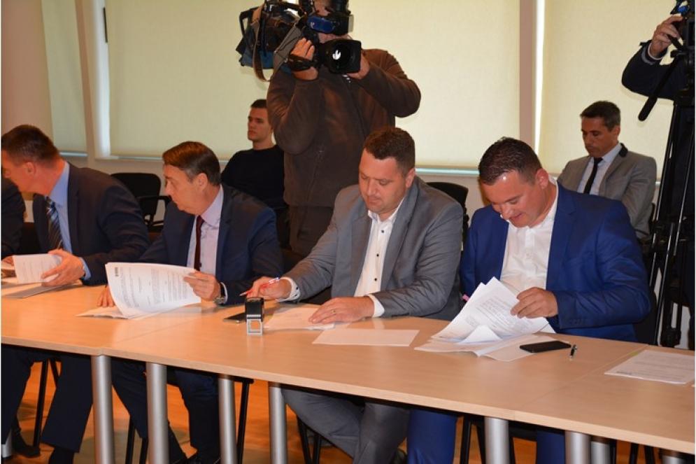 Zadarskoj županiji 640 000 kuna za ulaganja u školsku infrastrukturu