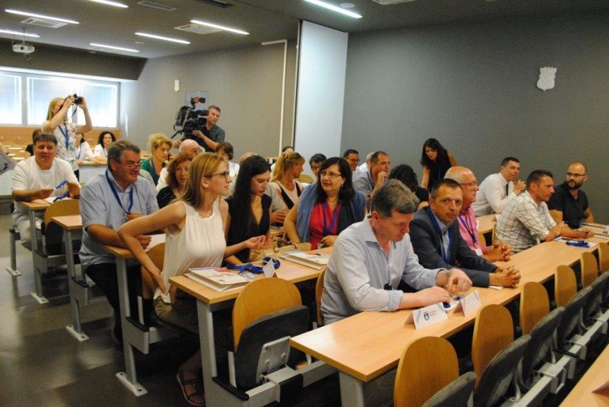 Početna konferencija projekta  izgradnja i opremanje dnevnih bolnica odjela za pulmologiju, onkologiju, infektorlogiju i dermatologiju Opće bolnice Zadar te adaptacija i opremanje dnevne bolnice službe za kirurgiju