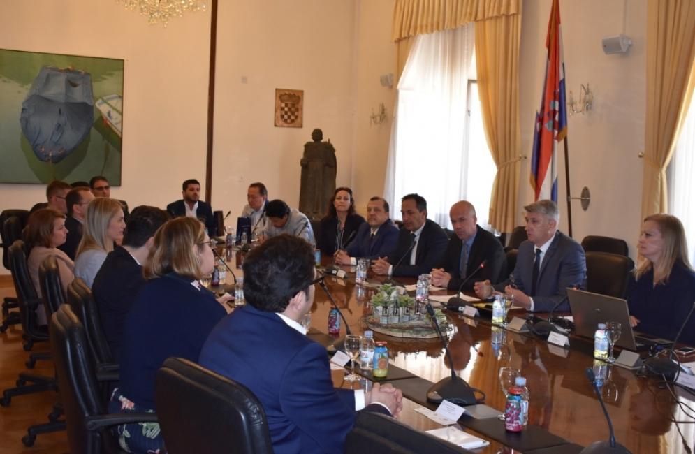 Članovi diplomatsko-gospodarskog kluba u posjetu Zadarskoj županiji