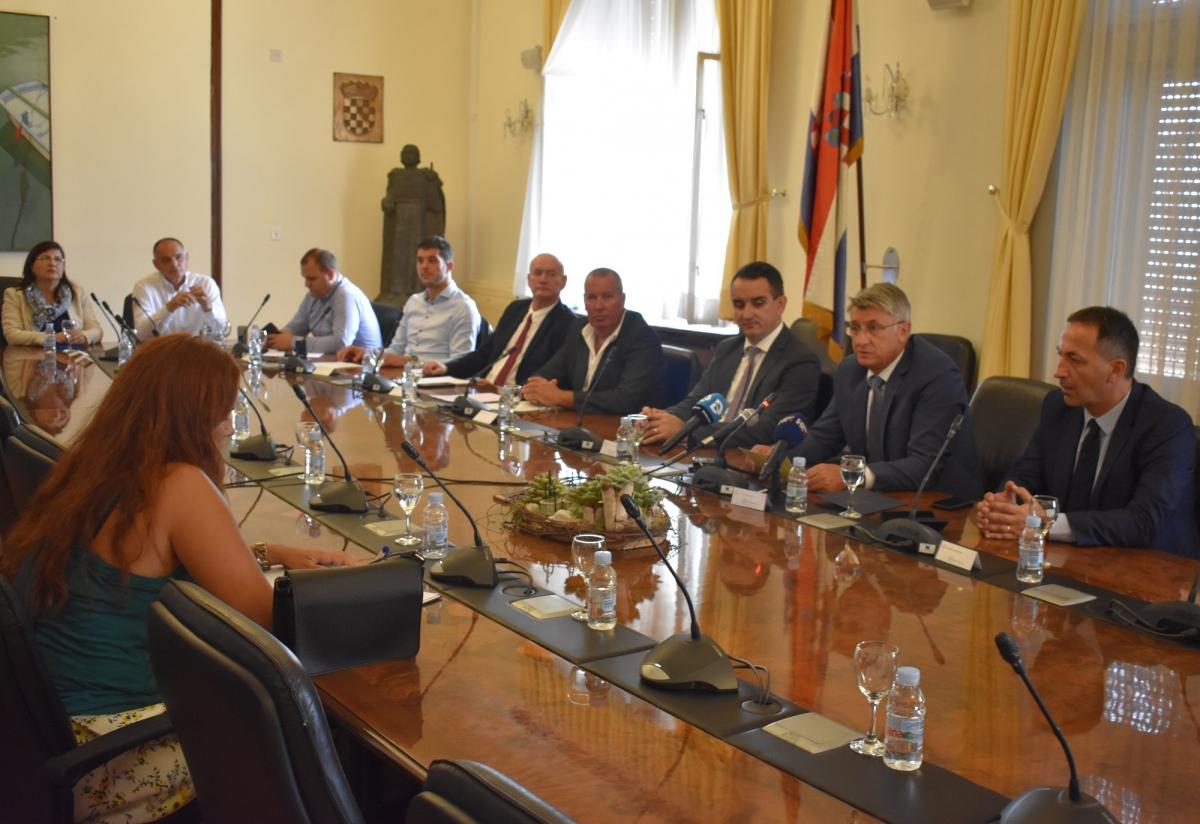 Otoci Zadarske županije potpisali Deklaraciju o pametnim otocima