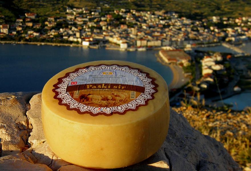 Dvije zlatne medalje za Paški sir Paške sirane na Global Cheese Awards-u u Engleskoj