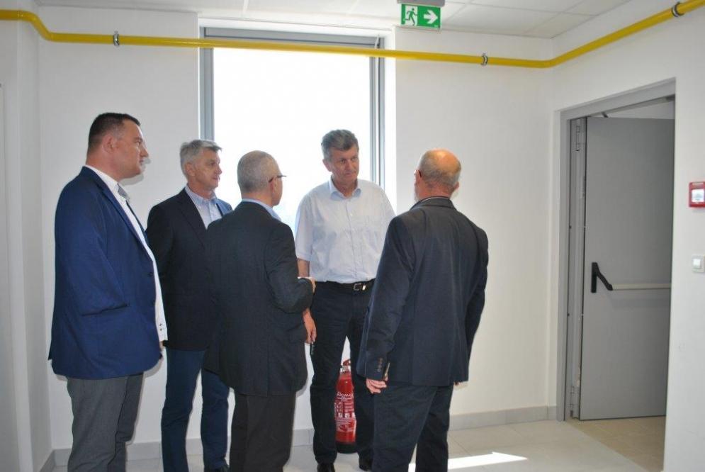 Ministar zdravstva impresioniran zgradom Poliklinike