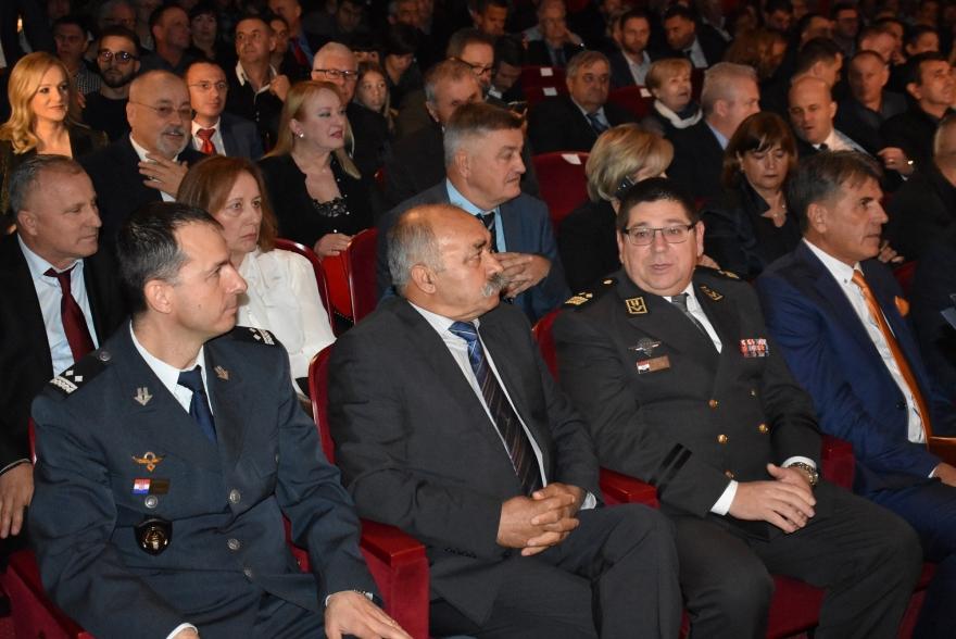 Svečana sjednica: Luka Modrić počasni građanin Zadra