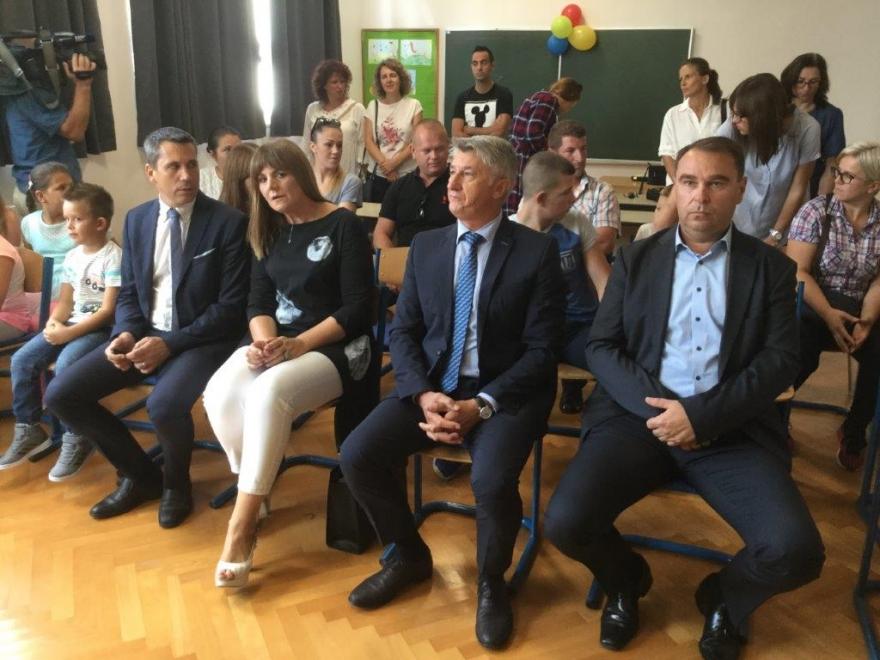 Župan Longin posjetio područnu školu u Tribnju Krušćici