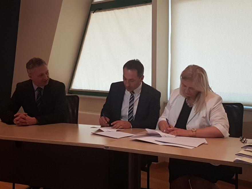 Potpisan ugovor za projekt Pesticide Control and Reduction
