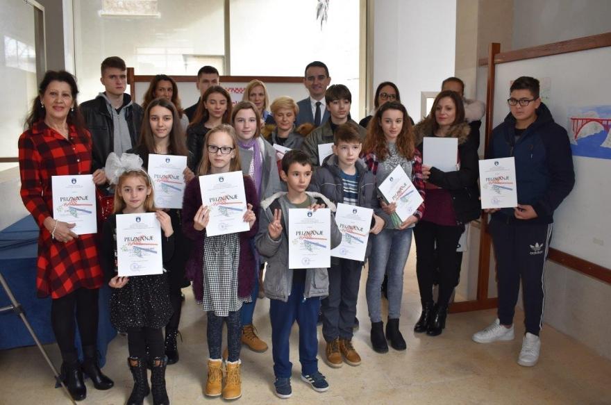 25. obljetnica VRO Maslenica: Otvorena izložba učeničkih radova