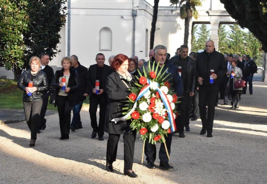Vijenci kod Središnjeg križa povodom obilježavanja Dana Grada Zadra